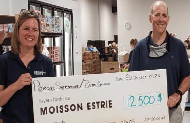 Pétroles Sherbrooke a fait un don de 12 500 $ à l'organisme de bienfaisance local Moisson Estrie.