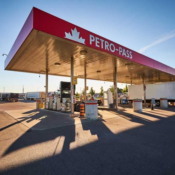 Un relais routier avec carte-accès Petro-Pass.