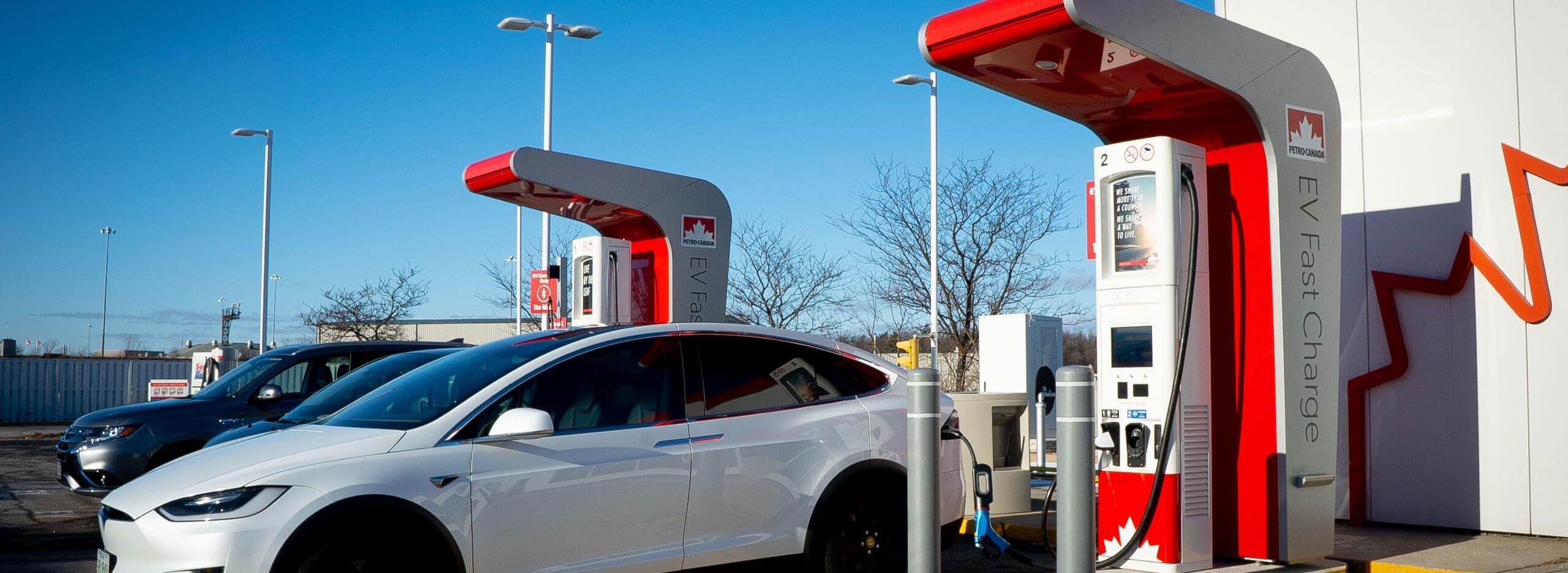 Petro-Canada recharge rapide voiture électrique